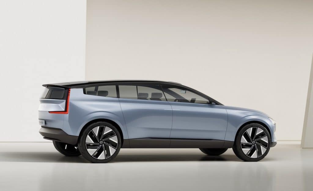 Volvo Concept Recharge side