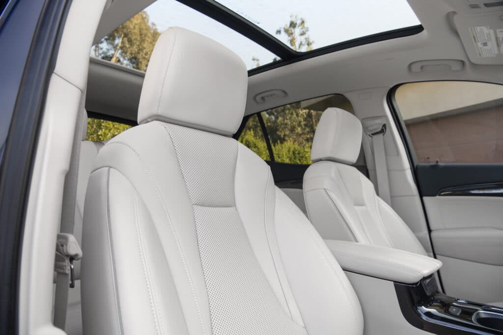 2021 Buick Envision seats