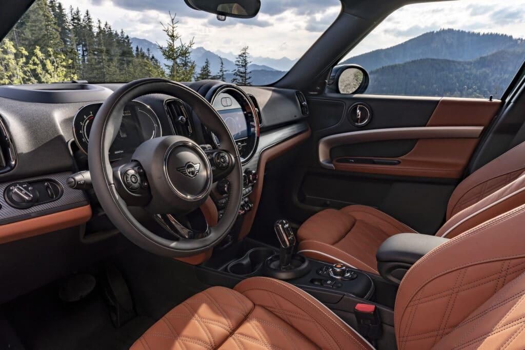 2021 Mini Countryman Cooper S cockpit