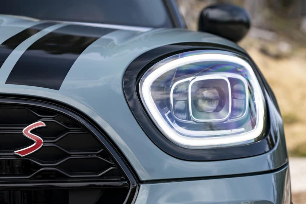 2021 Mini Countryman Cooper S headlight