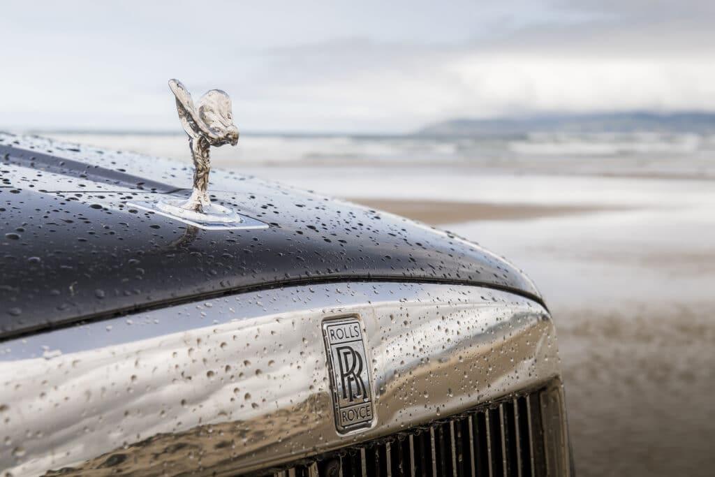 2021 Rolls-Royce Cullinan hood ornament