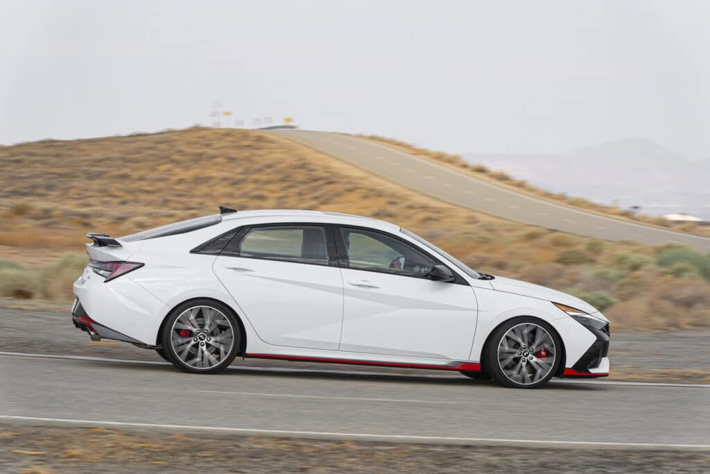 2022 Hyundai Elantra N side