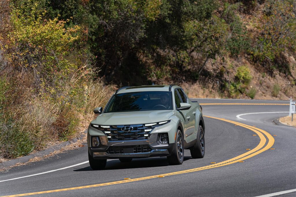 2022 Hyundai Santa Cruz - driving