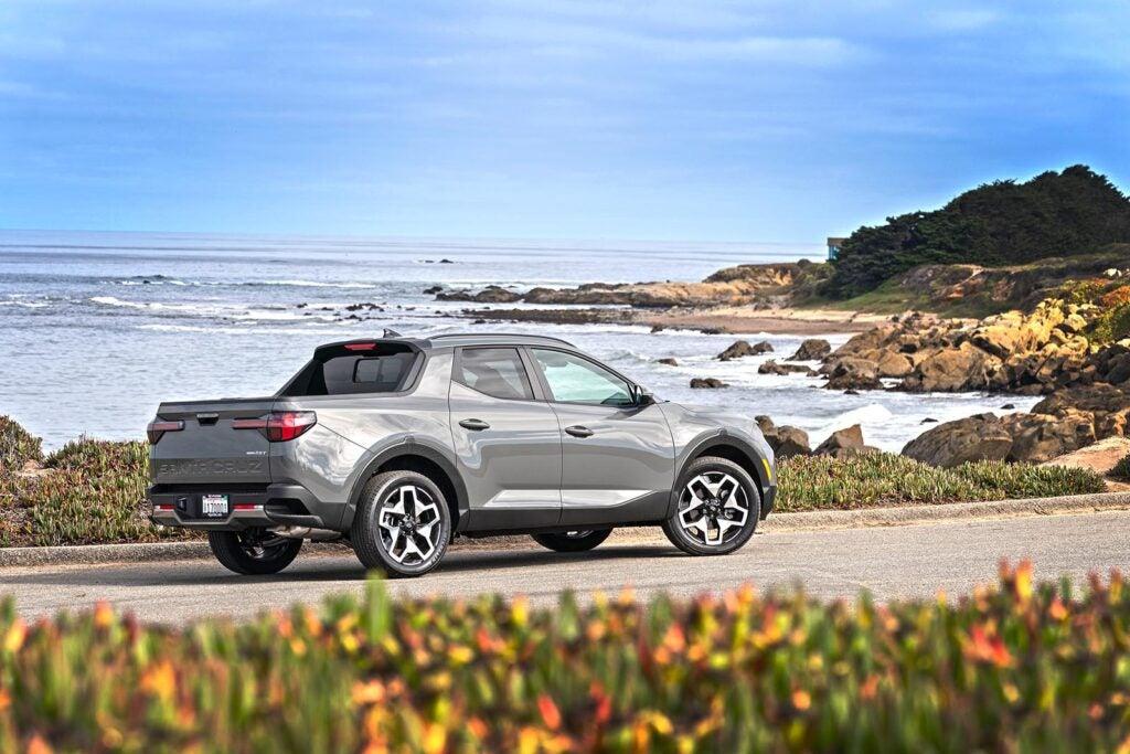 2022 Hyundai Santa Cruz - driving by beach