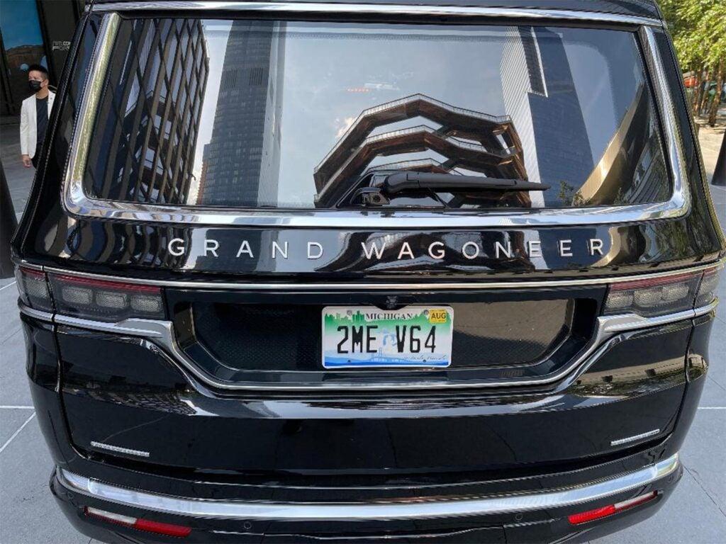 Jeep Grand Wagoneer - badge