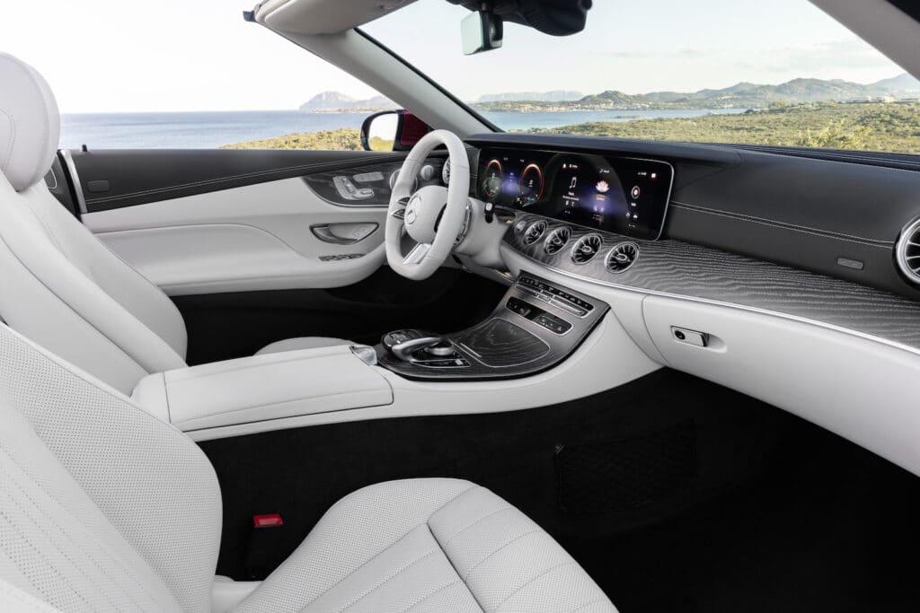 2021 Mercedes E450 cabrio cockpit