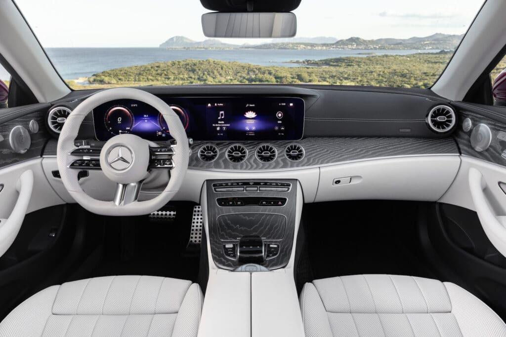 2021 Mercedes E450 cabrio interior