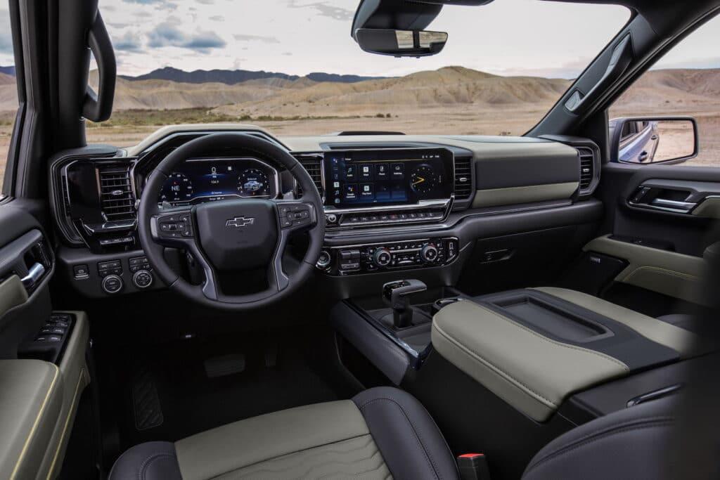 2022 Chevrolet Silverado ZR2 interior