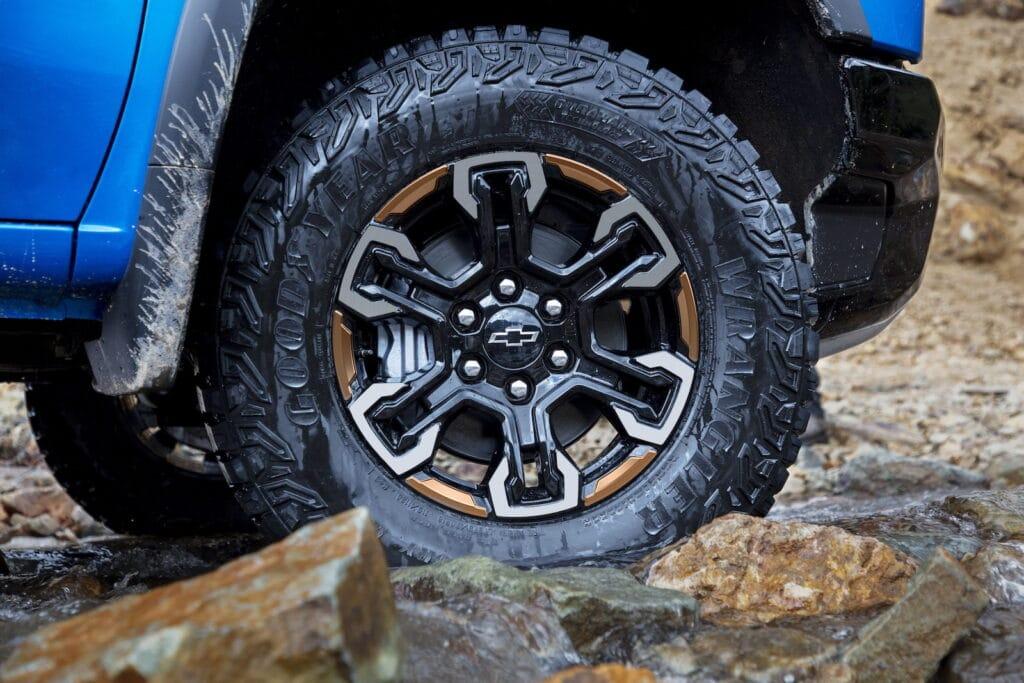 2022 Chevrolet Silverado ZR2 wheel