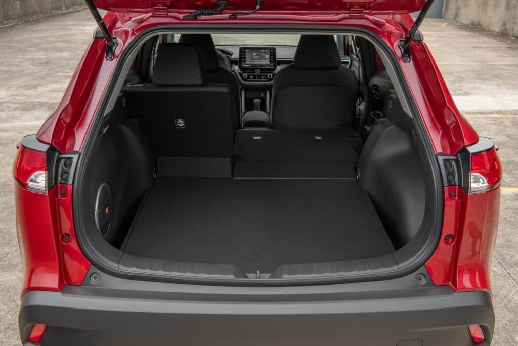 2022 Toyota Corolla Cross LE red cargo