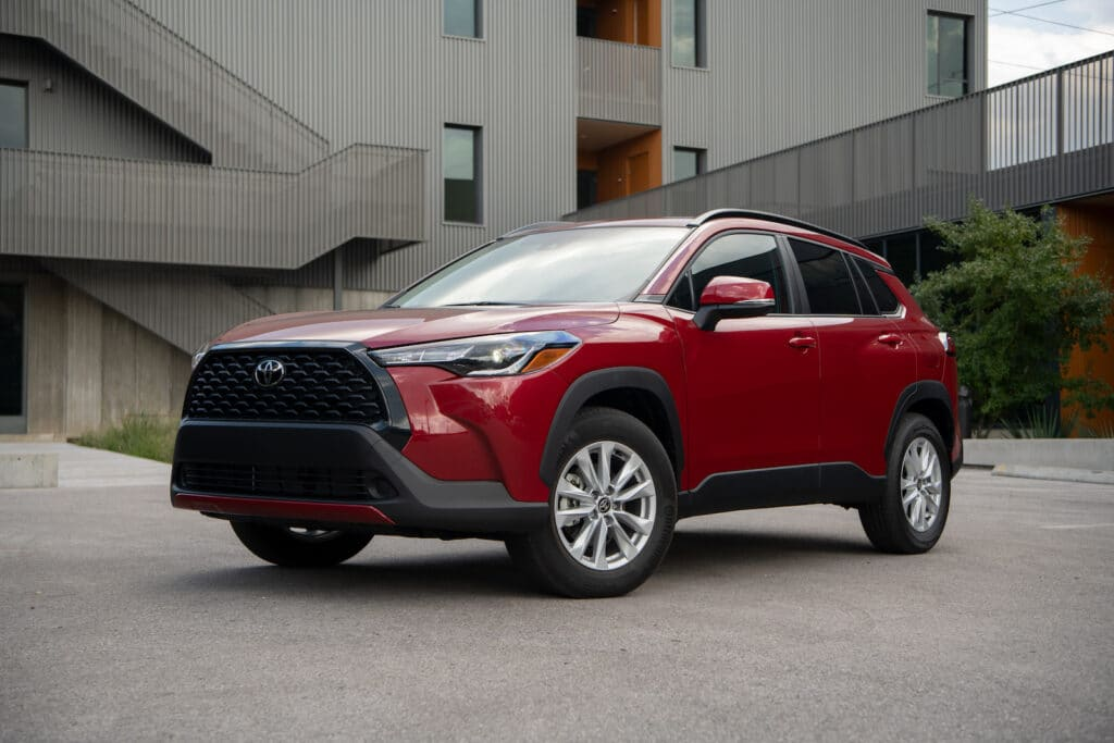 2022 Toyota Corolla Cross LE red front