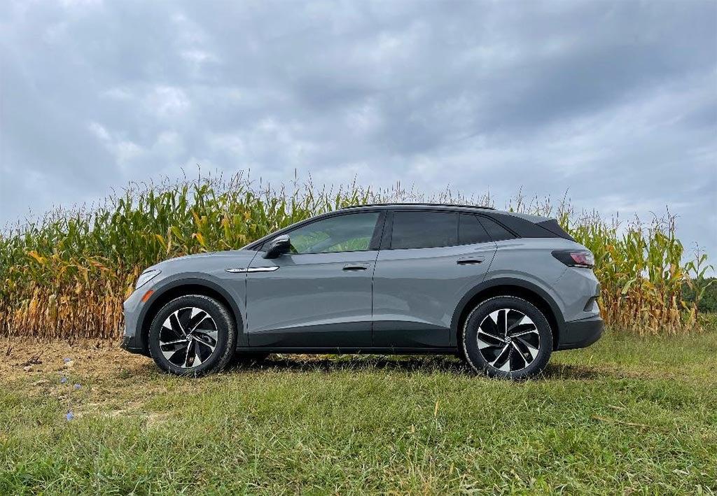 2021 VW ID4 - in corn field