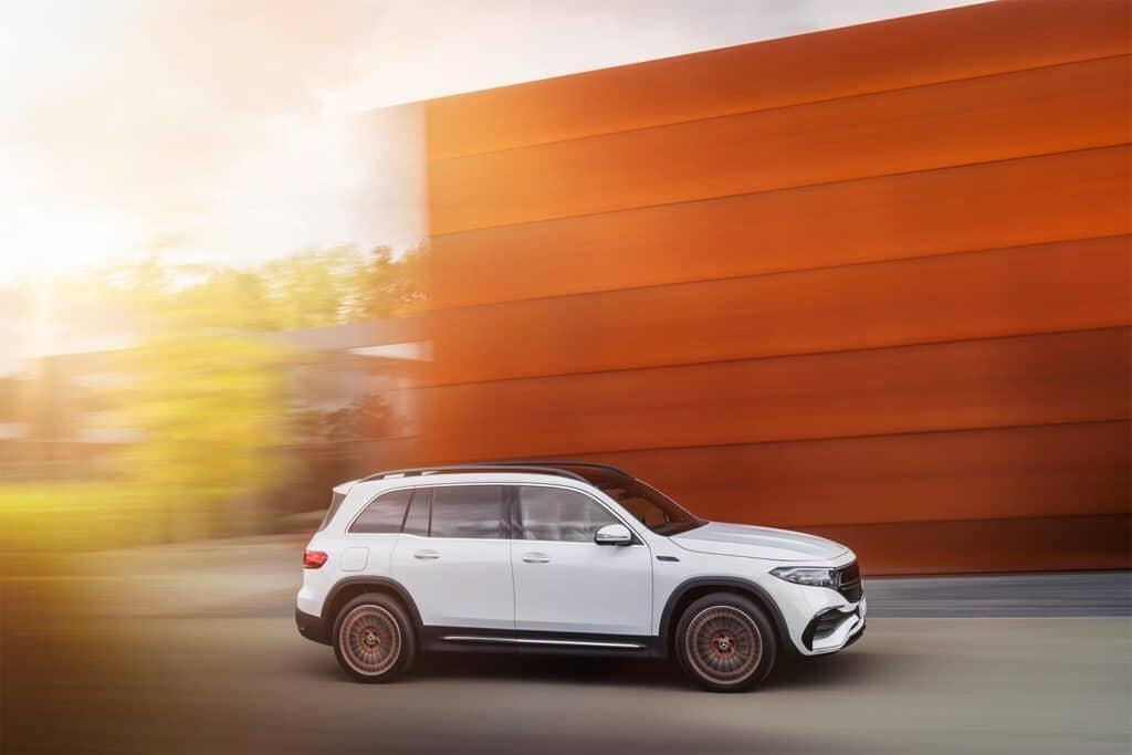 Mercedes EQB - driving side