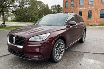 2021 Lincoln Corsair Reserve AWD front