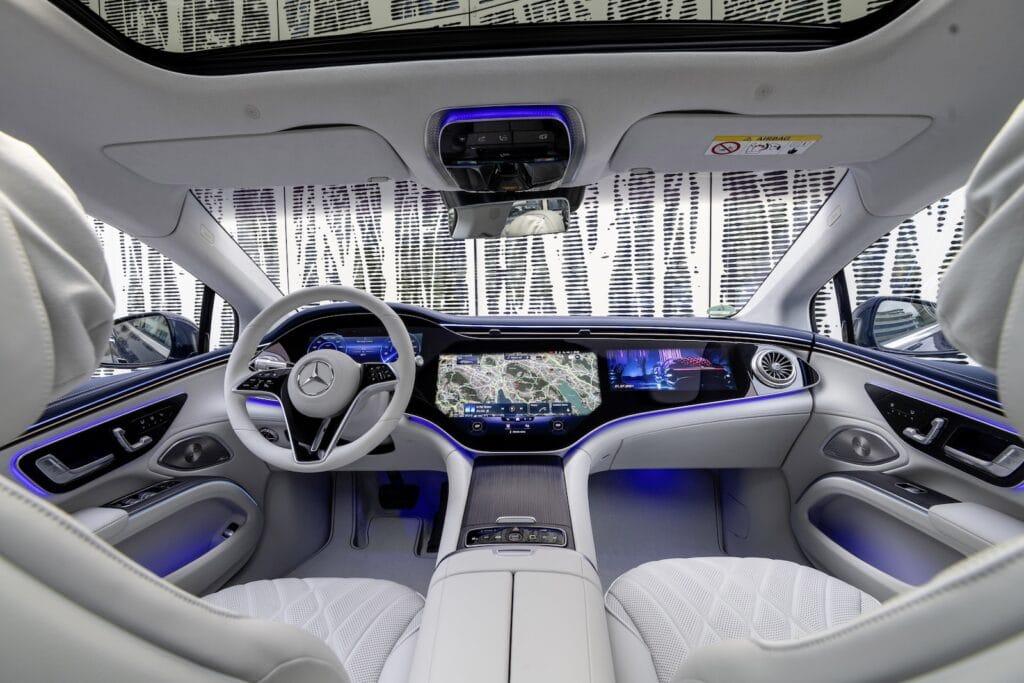 2022 Mercedes EQS 580 interior white