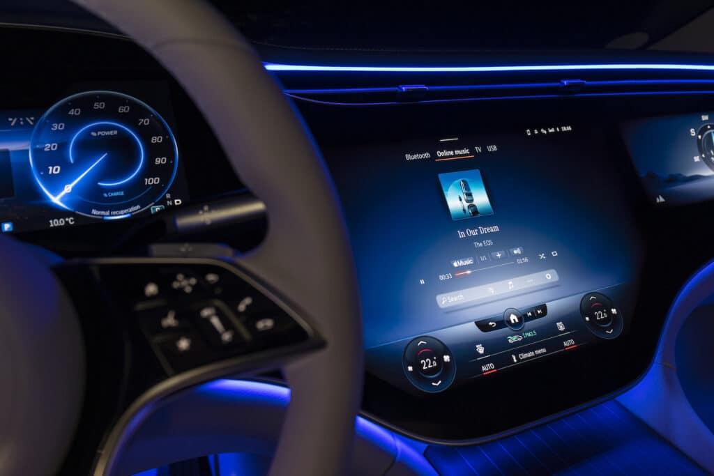 2022 Mercedes EQS 580 white dashboard