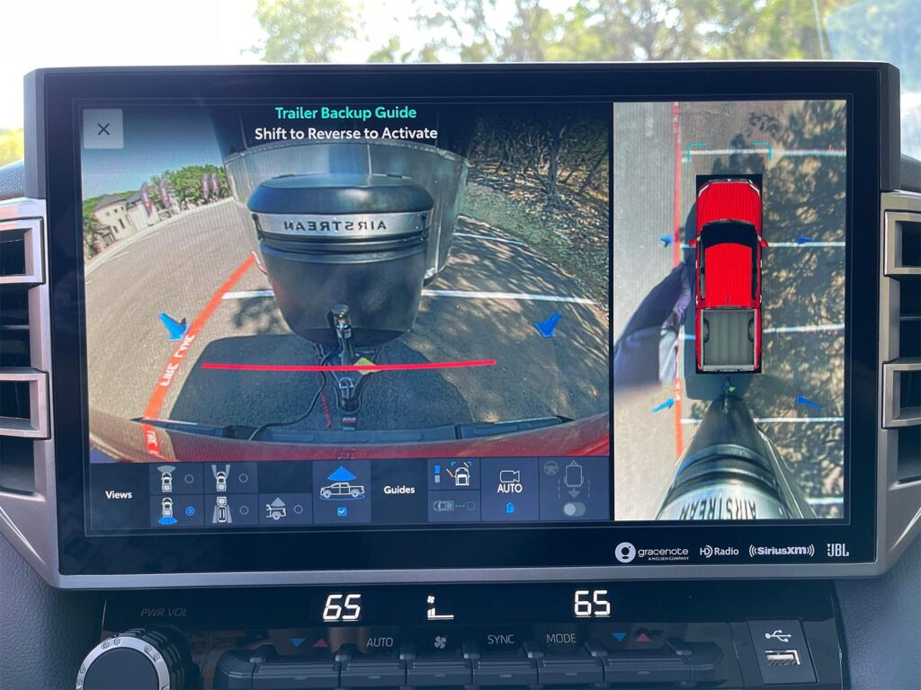 2022 Toyota Tundra - screen with tow images